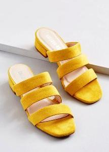 サンダルは靴じゃないの?