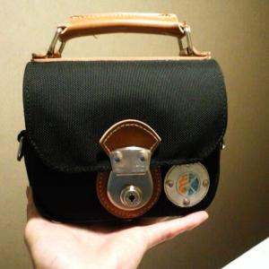 高校の学生鞄のミニ