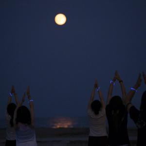 月の満ち欠けのリズム