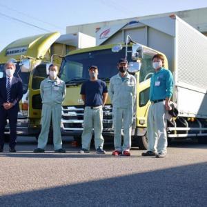 4トントラックの廃車式を行いました。自動車部品を運んだ5年選手、10年選手の2台です。