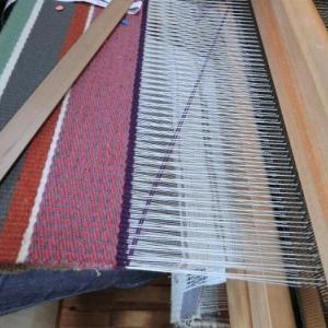 たて糸の緩みに気づく・・・織るってそういうことですね
