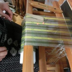 キャンバス織りストール、そろそろ終盤です