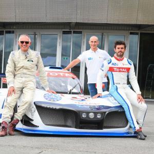 """【WEC】グループPSA会長が""""ミッションH24""""の水素燃料電池プロトタイプカーをテストドライブ"""
