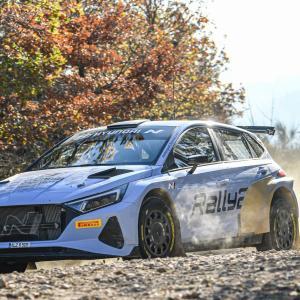【WRC】ヒュンダイ、新型『i20 Nラリー2』のテストを開始。王者タナクも初ドライブ