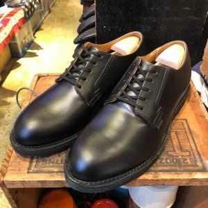 Red Wing 101 Postman Oxford、腹中粉酒膨れ。