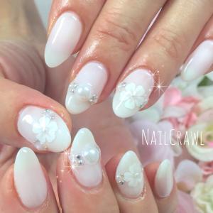 ホワイトのお花とパール