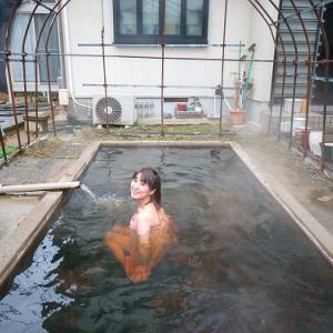 プールみたいなお風呂。