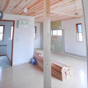 滋賀県草津市:自然素材リノベーション工事 天井杉板貼り