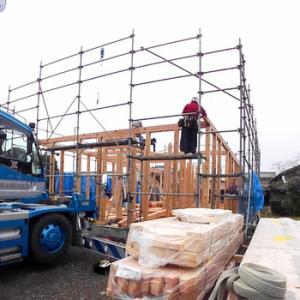 棟上げ:亀岡市平屋建ての木の家 新築工事