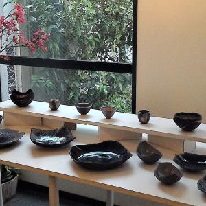 凛としたたたずまいの美しい陶器です…「東川和正作陶展・一期一会」