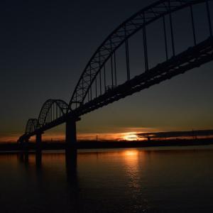 夜明けとともに江戸川放水路でハゼ釣り