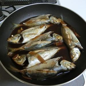 マカロニサラダとアジの煮付け(夕飯のオカズ)