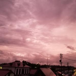 梅雨明け間近? 紫陽花色の空。。。