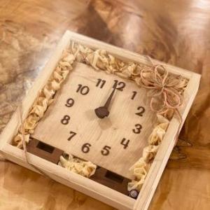 木の時計の贈り物♪