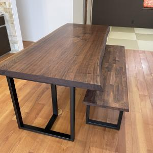 ウォールナット一枚板テーブル・ベンチ納品しました☆豊橋市☆