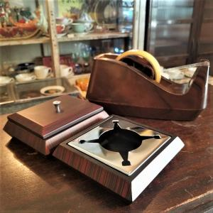 ミッドセンチュリーなテープカッター、タバコケース&灰皿