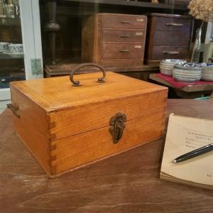 レトロな古い木の印箱(古印箱)