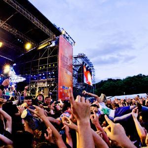 音楽ライブが人気化する背景