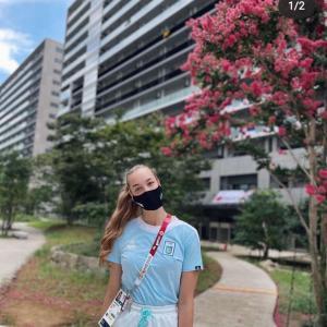 ウクライナ女子選手、爽やかなスカート姿を公開しファンに「いかがですか?」…。