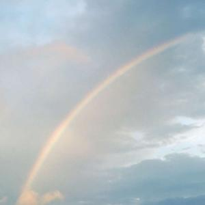月も綺麗だけど虹もキレイ♡
