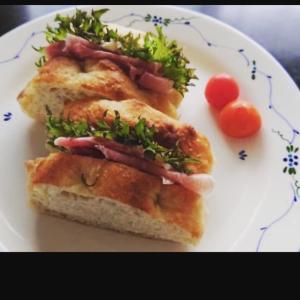 ●皆さんから続々届く 愛情たっぷりのおうちパン。