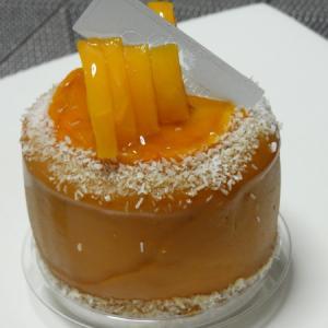 【桃とマンゴー パティスリー アブルーム】