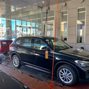BMW X1 出張即日車につけたままホイールリペア