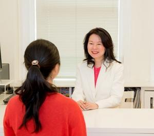 カナダ留学は、バンクーバーで英会話力も伸びて、北米での接客についても学べるプログラムです。