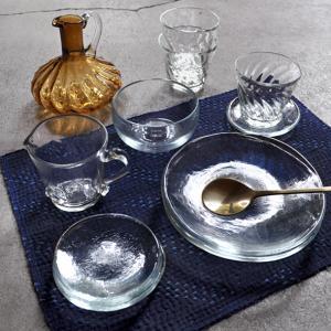 イランの手吹きガラスウェア
