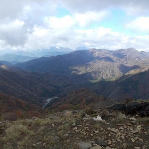 富士山は見えないが紅葉を楽しみながら登る丹沢;塔ノ岳(2019年32回目)