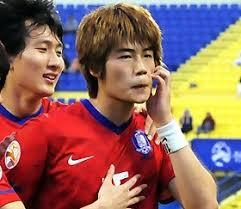 【韓国】猿マネで有名なサッカー選手のキ・ソンヨン、後輩に「小学校の頃、口で性行為強要された」と暴露される