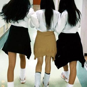 【社会】 現代の女子高生に「ルーズソックス」人気が再燃 平成ブームで「ギャル男」も登場、一体なぜ?