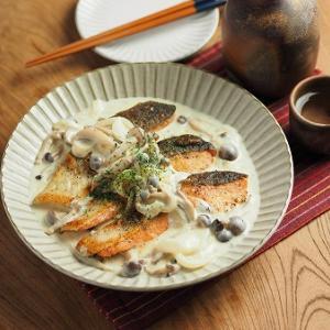 秋鮭のきのこクリームソース焼き、マヨネーズでクリームソースを作ります。