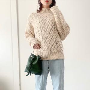 よーく見ると可愛い♡ざっくり編みマーブルカラーニット♡