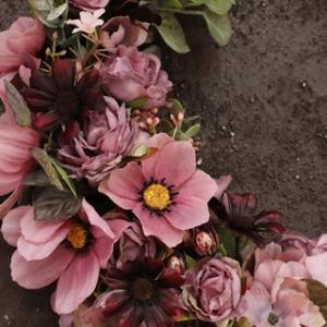 ●秋桜リースを作りました