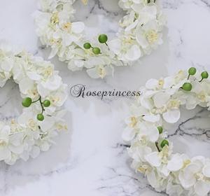 ●幸せが飛んでくる⁈胡蝶蘭のリース