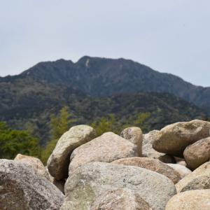 豊田の石場建て5 地域の石で作る家作り