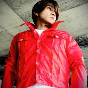 少々の雨なら平気のナイロンジャケット。