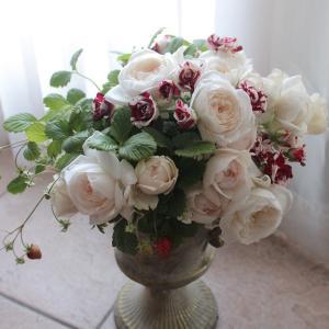 フェミニンな薔薇のアレンジ@ベストフラワーアレンジメント