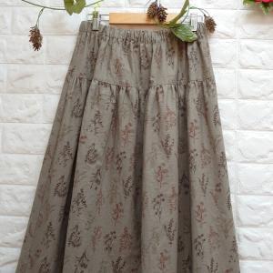 【新作】花柄のスカートとレースのスカラップパンツ