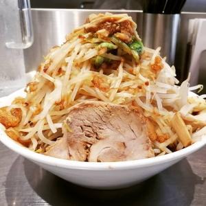 麺ハチイチ/81 NOODLE BAR油そば野菜増し増し ¥800油そばなのに汁がだくだく