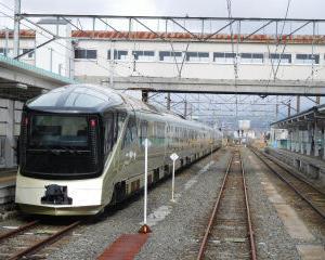 トランスイート四季島 会津若松駅