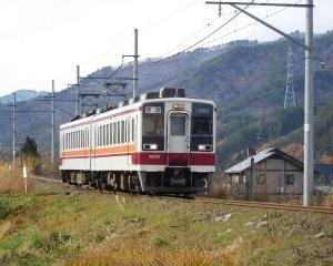 昼休みの電車