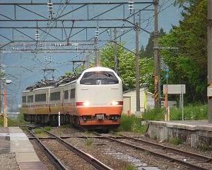 懐かしいかな 485系 磐越西線・翁島駅通過