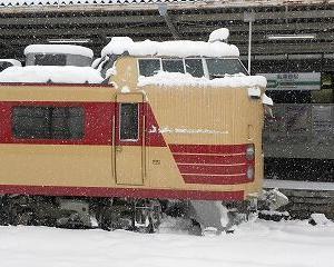 懐かしいかな 雪の中の485系 国鉄色