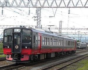 719系 フルーティア 会津若松駅