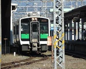 会津若松駅構内の移動 キハE120系