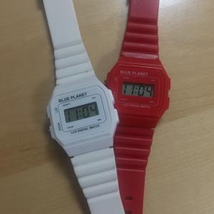 次は時計。