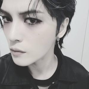 【記事】ジェジュン、魅惑的でセクシーな魅力…強烈なカリスマ性アピール