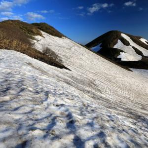 残雪の秋田駒ヶ岳